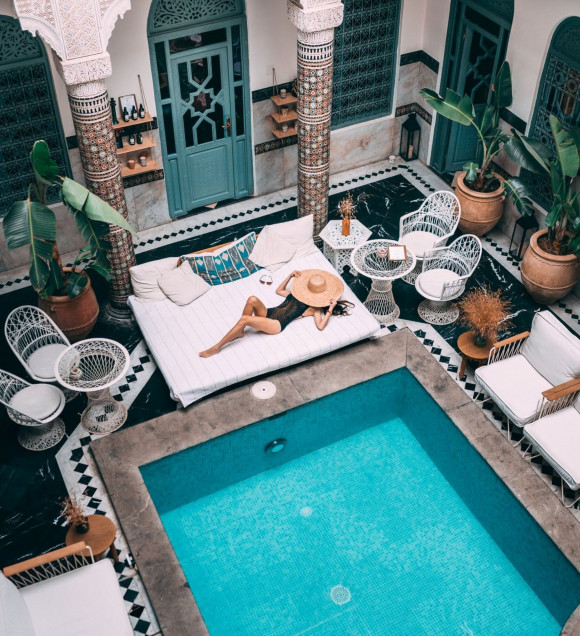 Poolside Glamour! 6 Pieces That Will Make You Look Put Together