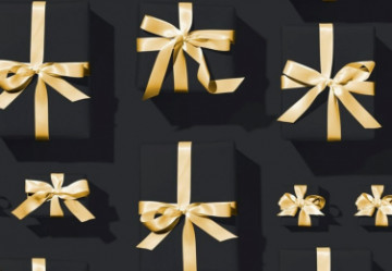 Top 5 Gifts to Give Your Beautician on Their Special Day