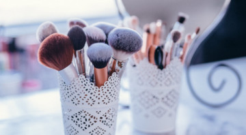 5 Makeup Brushes Everyone Needs To Have In Their Collection