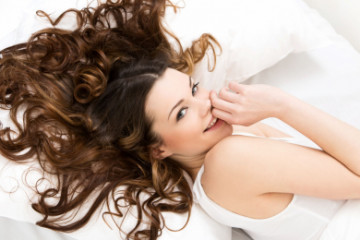 5 Ways to Get Curls Without Heat in 2 Minutes