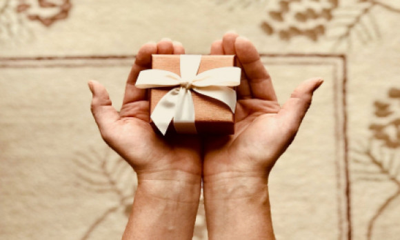 Gift ideas that support local small businesses